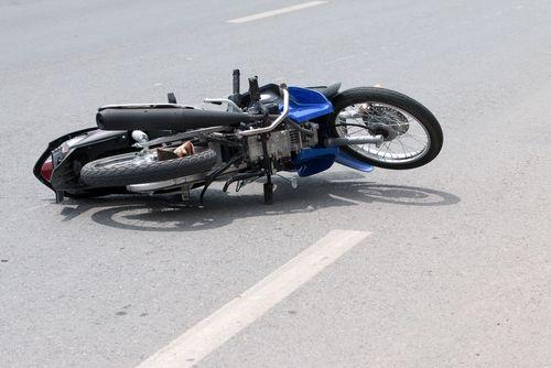 Motorradfahrer_Unfall_shutterstock_396233590.jpg