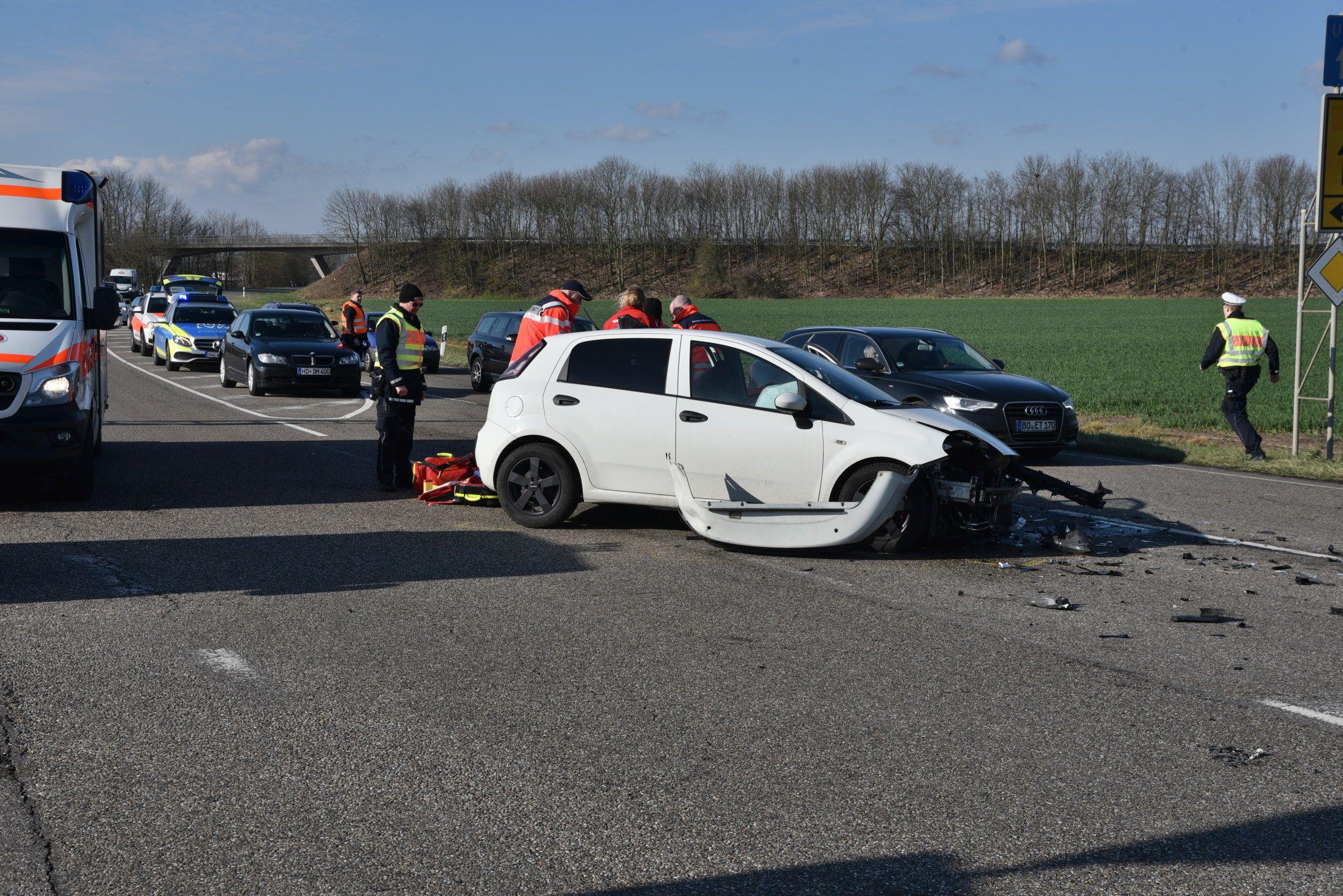 Autounfall mit Säugling auf der L 723 in Reilingen | Radio Regenbogen