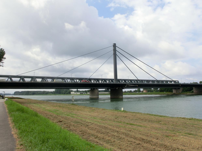 Stau Rheinbrücke